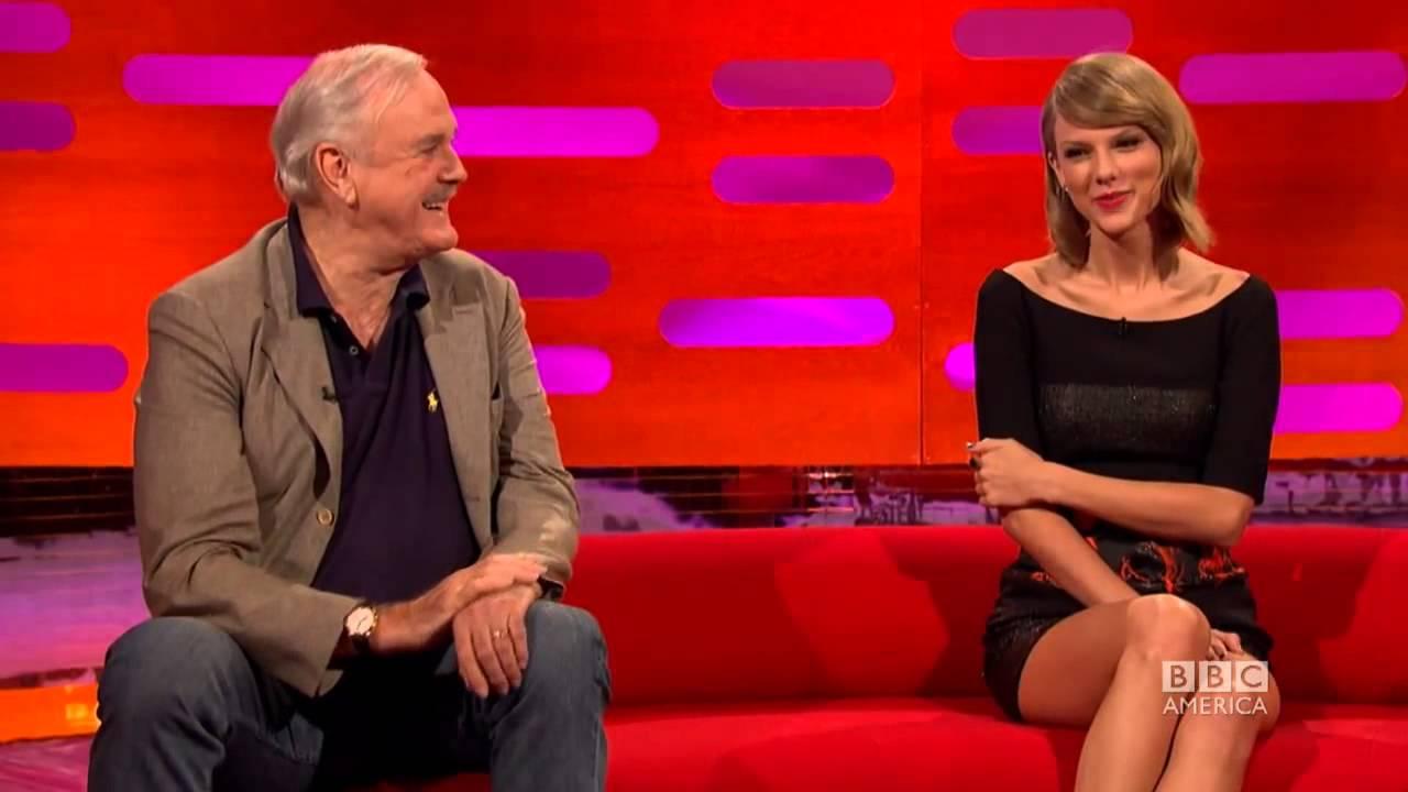 Cùng theo dõi cuộc trò chuyên thú vị của Taylor Swift về fans của cô ấy